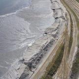 Spodlone krajobrazowe kopaliny minują w południe Polska Zniszczona ziemia Fotografia Stock
