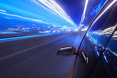 Spoed auto, motieonduidelijk beeld steet Stock Fotografie