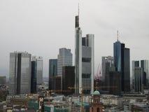 Spojrzenie przy góruje w Frankfurt magistrala w Germany - Am - zdjęcia stock