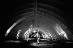 Spoken in donkere tunnel van kernenergieinstallatie Royalty-vrije Stock Foto's