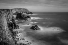 Spokojna linia brzegowa, Gruntowa ` s końcówka, Cornwall obrazy royalty free