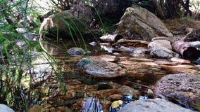 Spokojna rzeka w górze zdjęcia stock