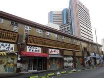 Spokojna ulica przy Tsukiji rynkiem w Tokio zdjęcia royalty free