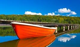 spokojny łodzi jezioro Fotografia Stock