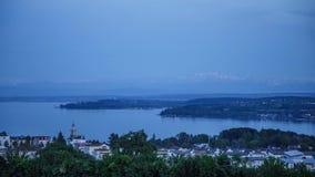 Spokojny zmierzch przy Jeziornym Constance czasu upływem zbiory