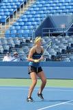 Den storslagna Slammästare Victoria Azarenka övar för US öppnar på tennis Cente för den Billie Jean konungmedborgare Arkivbilder