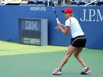 Den yrkesmässiga tennisspelaren Kim Clijsters övar för US öppnar Arkivfoton