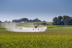 Spolveratore giallo del raccolto