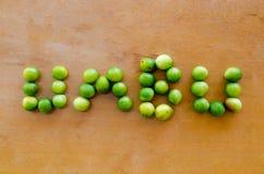 Spondiastuberosa - Braziliaans seizoengebonden fruit genoemd Umbu of Imbu De pruim van Brazilië Regionaal fruit writing royalty-vrije stock fotografie