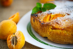 Sponge cake with apricot Royalty Free Stock Photos