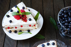 Sponge pie with summer berries Royalty Free Stock Photos
