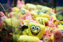 Spongebob squarepants και Πάτρικ στο macine νυχιών στοκ εικόνα με δικαίωμα ελεύθερης χρήσης