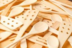 Spons et spatules en bois Image stock