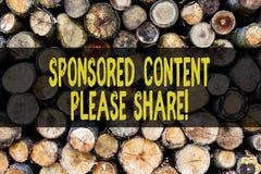 Sponsrade innehållet för ordhandstil behar det text aktien Affärsidé för marknadsföringsstrategi som annonserar den träplattforme royaltyfria foton