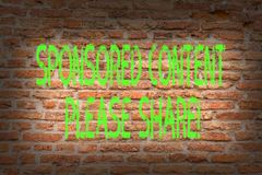 Sponsrade innehållet för ordhandstil behar det text aktien Affärsidé för marknadsföringsstrategi som annonserar plattformtegelste royaltyfria foton