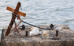 A Spontaneous Shrine. A Make Shift Memorial Shrine with a Cross at the seaside Stock Images