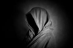 Spookachtig cijfer in dark stock afbeeldingen