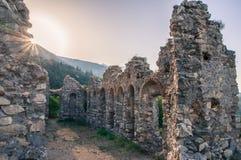 Spookstadruïnes in Mystras Stock Foto