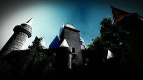 Spooly-Schloss in den Bergen stock footage