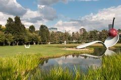 Spoonbridge和樱桃喷泉,雕塑庭院,米尼亚波尼斯, 免版税库存图片