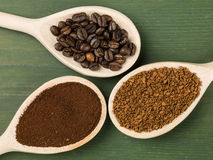 Free Spoonfuls Of Instant Granulated And Roast Coffee Beans Royalty Free Stock Photos - 91187588