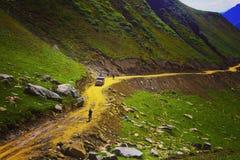 Spoor aan Ratti Gali Lake royalty-vrije stock foto