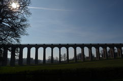 Spoorviaduct. Stock Foto