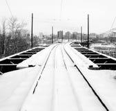 Spoorweg aan de stad royalty-vrije stock foto's