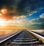 Spoorweg aan horizon stock foto
