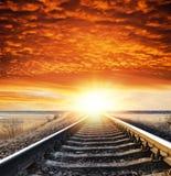 Spoorweg aan zonsondergang royalty-vrije stock afbeelding
