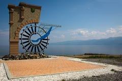 Spoorweg circum-Baikal De kust van Baikal, heldere de zomerdag stock foto's