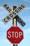 Spoorweg die het Teken van het Einde kruist stock afbeelding