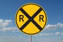 Spoorweg die Waarschuwing kruist Stock Afbeeldingen