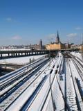 Spoorweg en de oude stad Royalty-vrije Stock Afbeelding