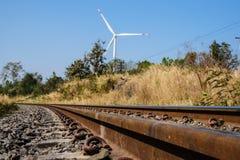 Spoorweg en windturbine Stock Afbeeldingen