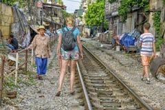 Spoorweg in Hanoi, Vietnam Stock Foto's