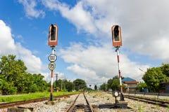 Spoorweg met de Lichten van het Alarm Stock Afbeelding