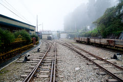 Spoorweg op de berg royalty-vrije stock foto