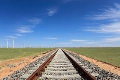 Spoorweg op de steppe stock afbeeldingen
