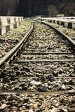 Spoorweg op een klein station Royalty-vrije Stock Afbeeldingen