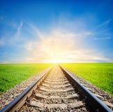 Spoorweg op gebied royalty-vrije stock fotografie