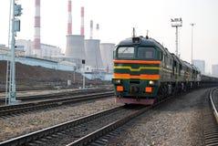 Spoorweg op industriezone Stock Afbeeldingen