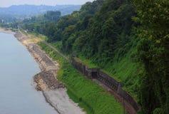 Spoorweg op kust dichtbij Batumi Royalty-vrije Stock Fotografie