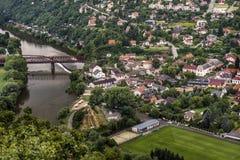 Spoorweg over de rivier Stock Foto's