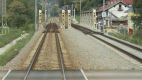 Spoorweg over Ijzerbrug stock video