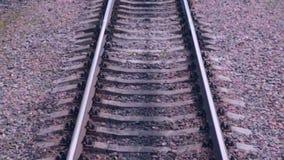 Spoorweg Spoorwegsporen van het bewegen van trein Reizende achtergrond stock footage