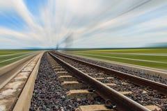 Spoorweg voor vervoer met motieonduidelijk beeld Royalty-vrije Stock Fotografie