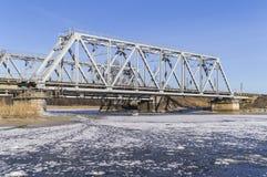 Spoorwegbrug met ijs Stock Afbeelding