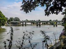 Spoorwegbrug op rivier Theems Royalty-vrije Stock Afbeelding