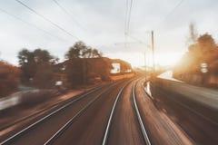 Spoorwegdraaien aan het recht stock afbeelding